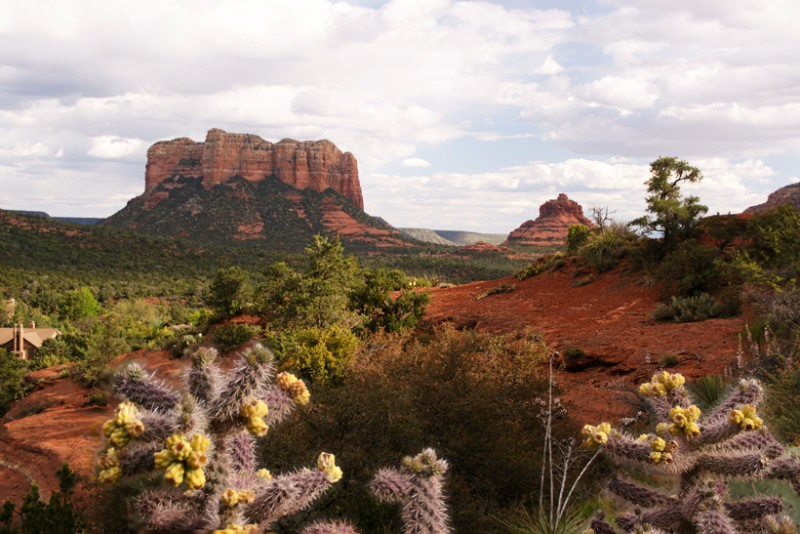 Sedona-Figure-2-Courthouse-Butte-Rock-820